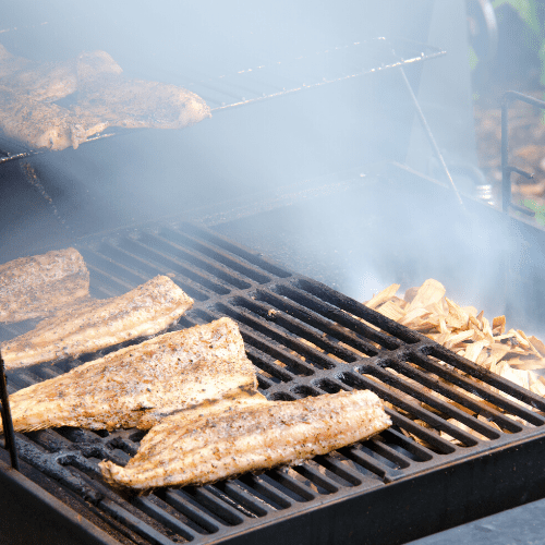 What is the ideal temperature for smoking fish?