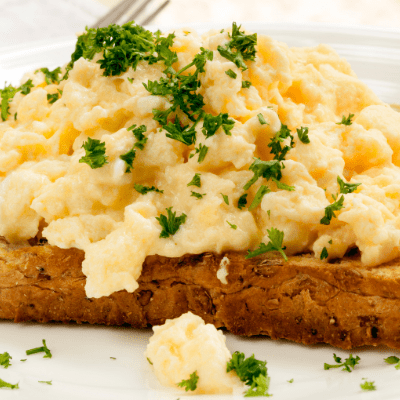 Scrambled eggs with french toast
