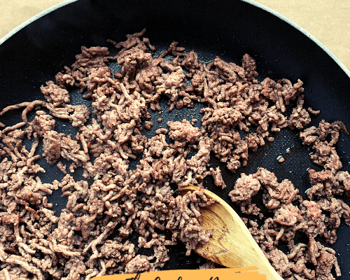How to Drain the Moisture From Ground Beef after cooking